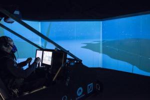Bertrand Piccard focused during the simulation flight_2013.12.17 © Solar Impulse